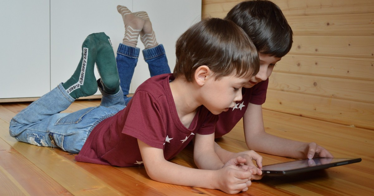 Managing Children's Screen Time: Helpful Apps and Other Tips