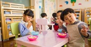 i-ville-preschoolers-BeFunky-kids-eating