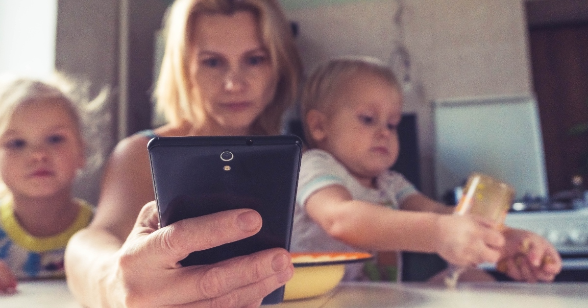 Smartphones are Disrupting the Crucial Connections Between Parents and Their Babies